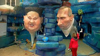 Festival eğlencesi olarak Merkel, Putin, Trump