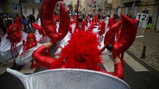 Satire und Ozeane: Karneval im portugiesischen Torres Vedras
