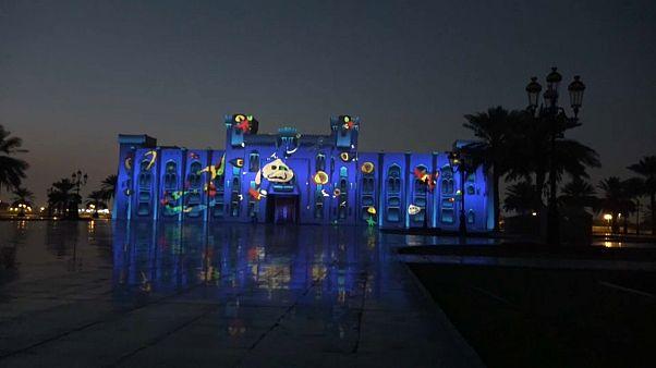 Die Emirate leuchten