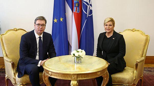 Visita de líder da Sérvia à Croácia tenta fechar feridas da guerra