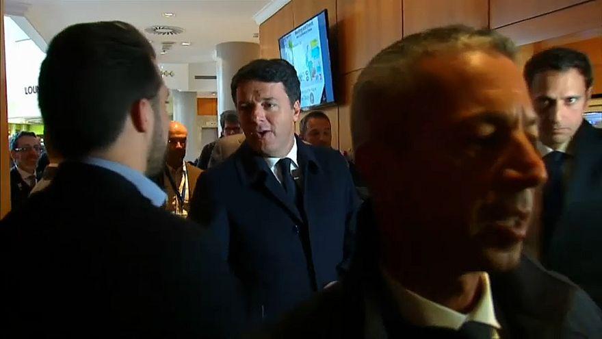 """Sciogliere il Pd? Coro di no tra i big. Renzi: """"Basta fuoco amico"""""""