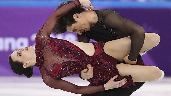 Tessa Virtue e Scott Moir durante a rotina que valeu ouro ao Canadá