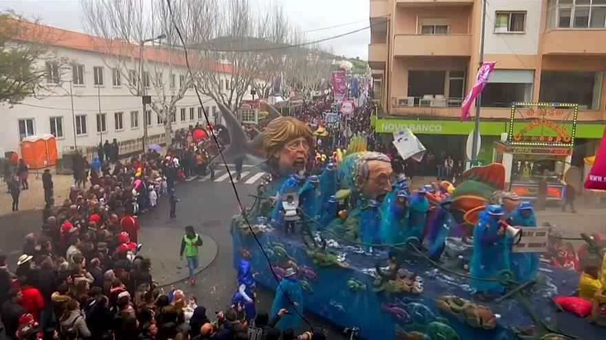 Meerjungfrau Merkel beim Karneval in Portugal