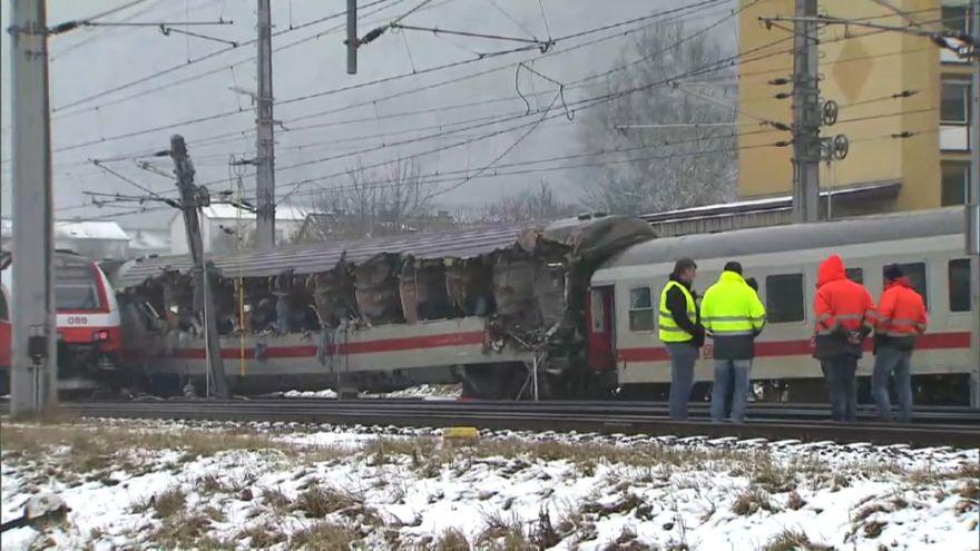 Colisão de comboios no centro da Áustria