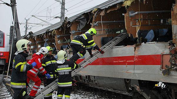 Αυστρία: Δυστύχημα με σύγκρουση επιβατικών τρένων