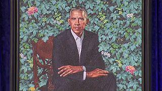 USA, svelati i ritratti ufficiali di Barack Obama e Michelle