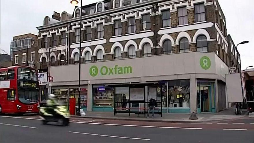 Секс скандал вокруг OXFAM набирает обороты