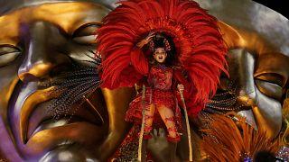 Karneval in Rio: Fröhlicher Wettbewerb geht weiter
