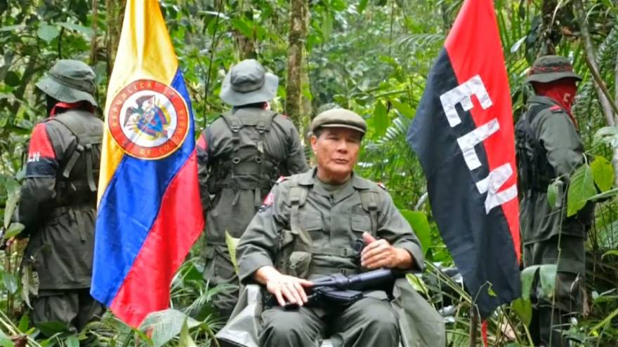 Órdenes de captura contra cinco líderes del ELN