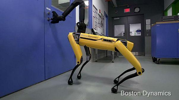 A Boston Dynamics robot can now open doors