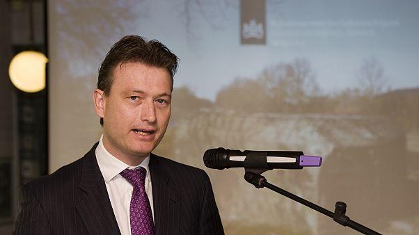 Hollanda Dışişleri Bakanı yalan söylediğini kabul etti