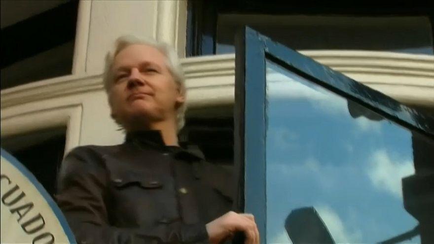 La Justicia británica mantiene la orden de arresto contra Julian Assange