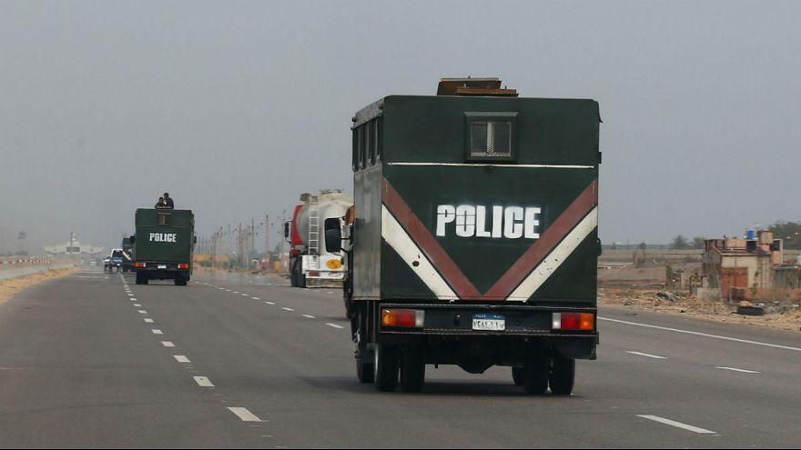 خودروهای پلیس مصر در نزدیکی پورت سعید