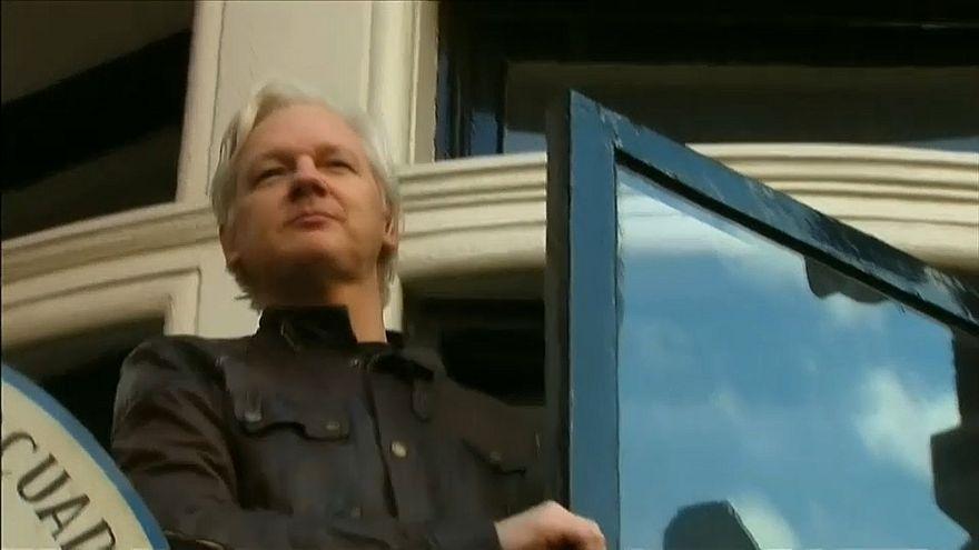 Wikileaks: Julian Assange, arresto confermato