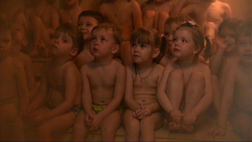 کودکان سیبری چگونه در برابر سرما مقاوم میشوند؟