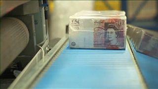 Továbbra is célszint feletti az infláció Nagy-Britanniában