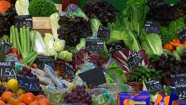 Inflação no Reino Unido estabiliza nos 3%