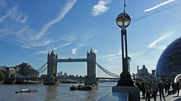 İngiltere'de enflasyon rakamları endişelendiriyor