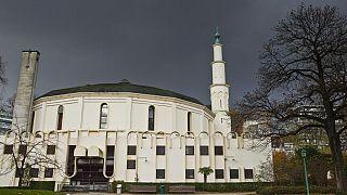 ماذا وراء تخلي السعودية عن إدارة مسجد بروكسل الكبير؟