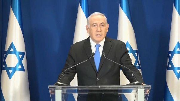 Netanyahu la polizia chiede di procedere per corruzione
