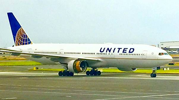 Motoru arızalanan United Airlines uçağı zorunlu iniş yaptı