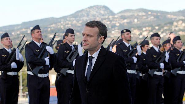 Fransa zorunlu askerliğin geri getirilmesini tartışıyor