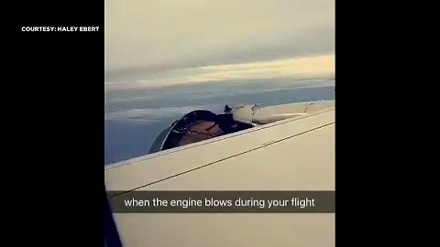 A levegőben vált le a repülő motorjának borítása