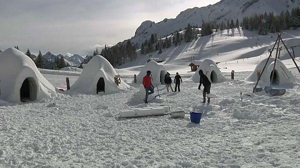 Снежные иглу для спасения горного курорта