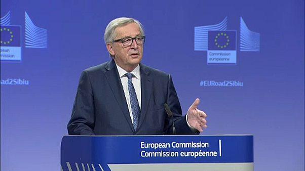 Juncker AB'nin geleceğine yönelik konuşma yaptı