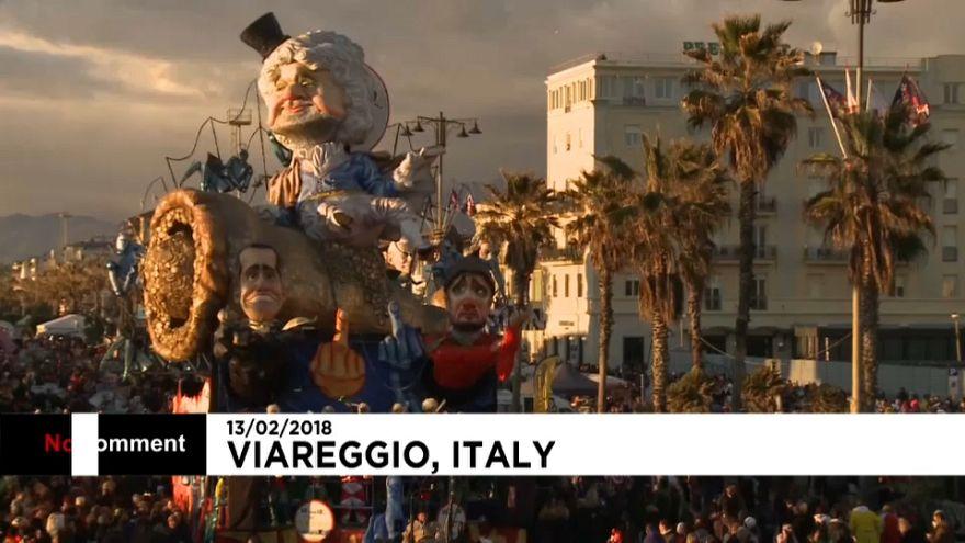 Sátira carnavalesca sai à rua em Itália