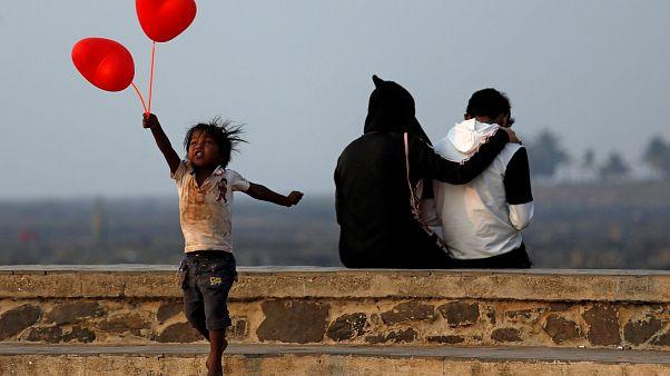 عيد الحب والجدل في العالم العربي والإسلامي