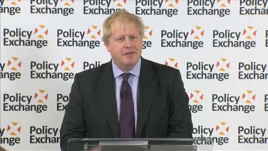 Boris Johnson exclut un abandon du Brexit