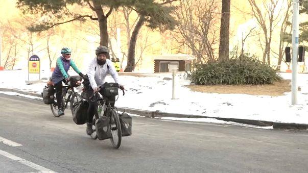 والد يقطع 17 ألف كيلومترا على دراجة هوائية لمشاهدة إبنه في أولمبياد كوريا الجنوبية