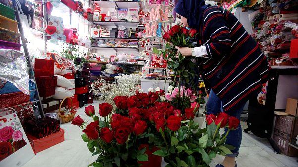 Dia de São Valentim: No Iraque trocaram-se armas por rosas