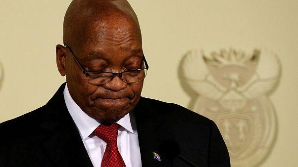 Zuma havlu attı