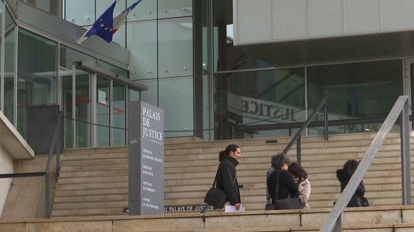 محاكمة فرنسي(30 سنة) بتهمة إقامة علاقة جنسية مع طفلة عمرها 11 عاما !