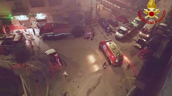 Roma, si apre una maxi-voragine: auto inghiottite e palazzi evacuati