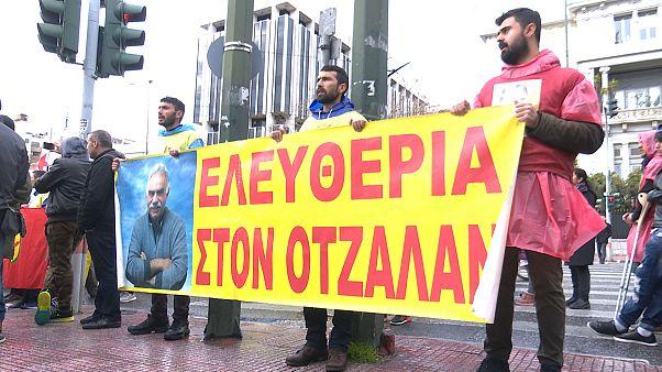 Διαδήλωση Κούρδων στη Βουλή στην επέτειο σύλληψης Οτσαλάν