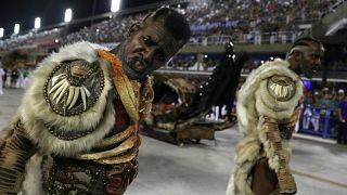 Beija Flor vence Carnaval do Rio com crítica social e política