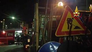 Plötzlich abgesackt: Straße in Rom verschlingt 7 Autos
