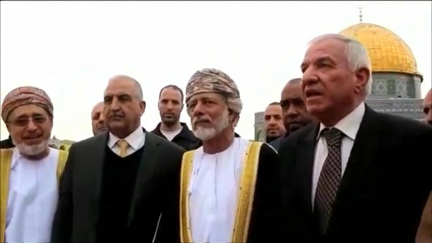 وزير الخارجية العُماني في زيارة تاريخية للمسجد الأقصى