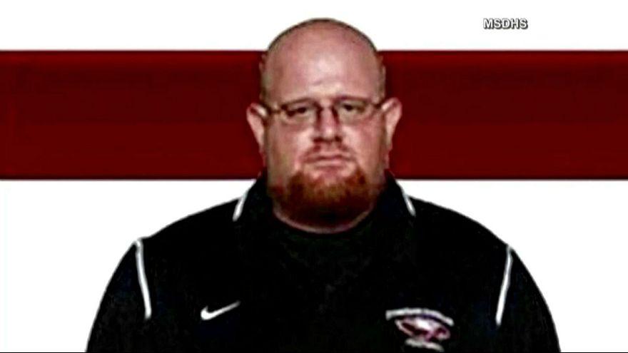 Florida saldırısında öğrencilerini kurtarırken kendi öldürüldü