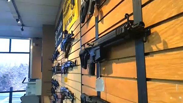 Feléled a fegyvertartásról szóló vita az Egyesült Államokban
