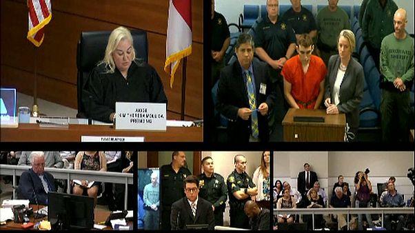 Autor do massacre confessa crime em tribunal