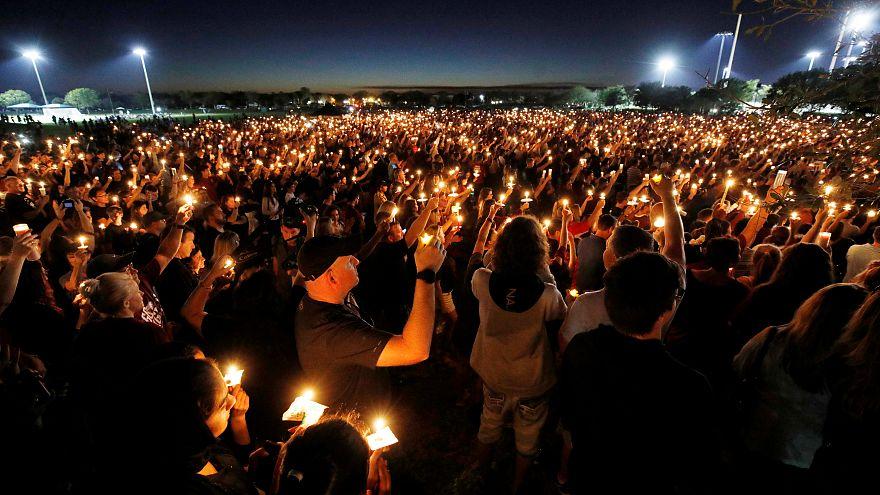 Vigilia por las víctimas de las masacre en la escuela de Florida