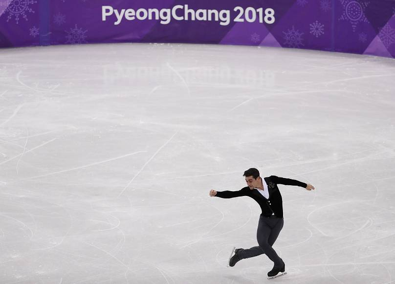 Japonés Yuzuru Hanyu revalida oro en patinaje artístico sobre hielo