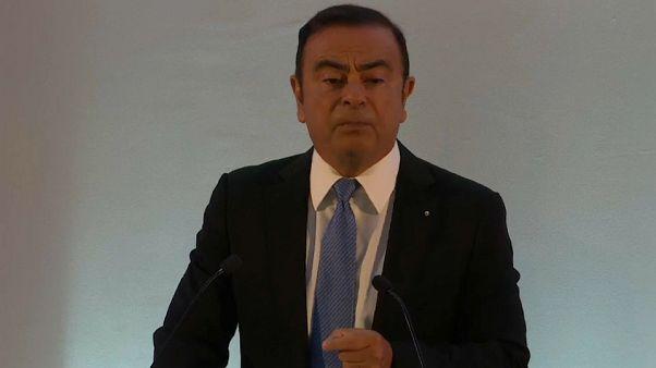 Carlos Ghosn garde la tête de Renault