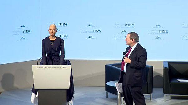 Münih Güvenlik Konferansı'nda yapay zeka konusu tartışıldı