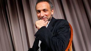 تمديد اعتقال طارق رمضان لأسبوع آخر