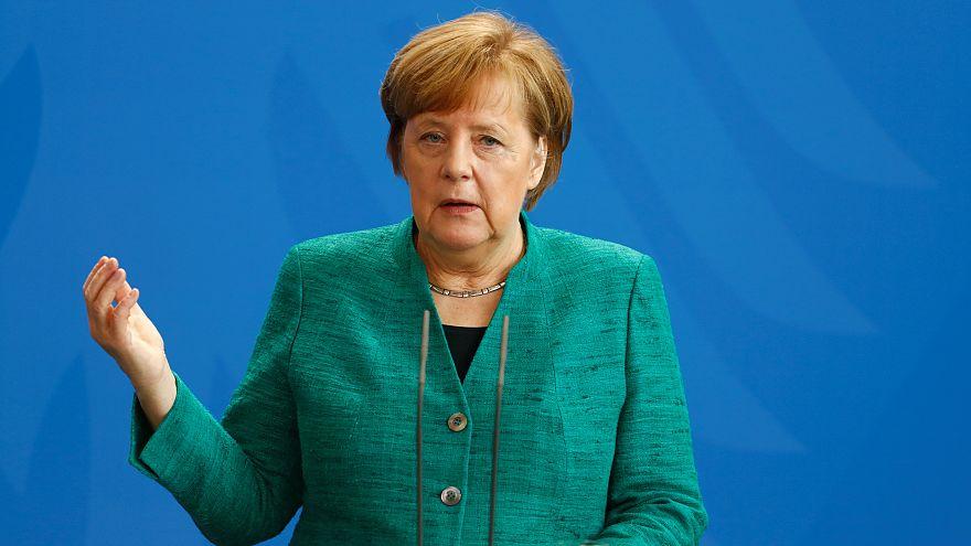 Merkel: Deniz Yücel'in tahliye kararı sevindirici